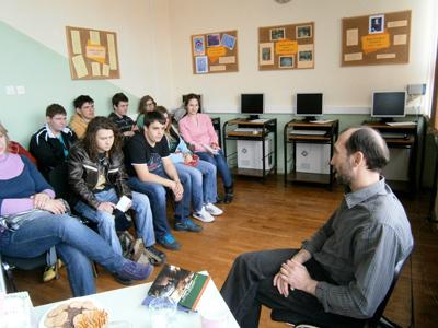 Književni susret sa Slađanom Lipovcemr