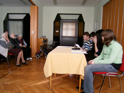Učenici Obrtničke i Tehničke škole Bjelovar čitaju korisnicima Doma za starije i nemoćne osobe Bjelovar